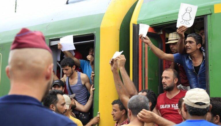 FT: Венгрия заявила о сотнях запретных для посещения зон в Европе из-за мигрантов