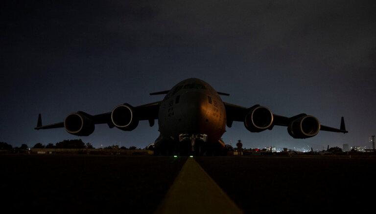 Katara sarunās ar talibiem mēģina panākt Kabulas lidostas atvēršanu