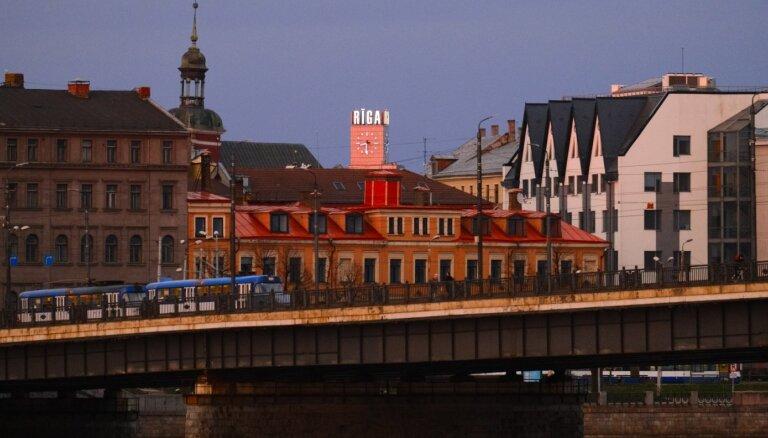 Ar Covid-19 saslimušo skaits Rīgā nokrities zem 1000