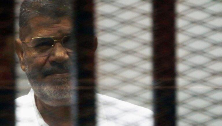 Bijušajam Ēģiptes prezidentam Mursi piespriež 20 gadu cietumsodu