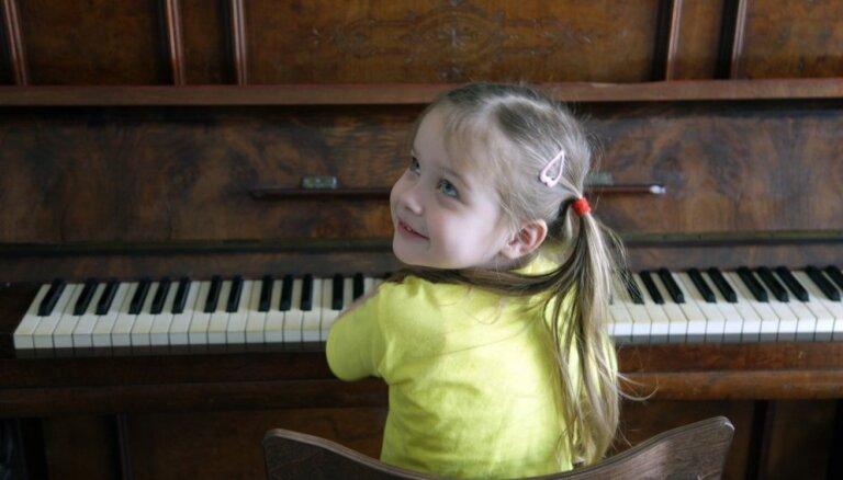 Pedagoģe: mūzikas apguve attīsta bērnu emocionālo, radošo un intelektuālo pusi
