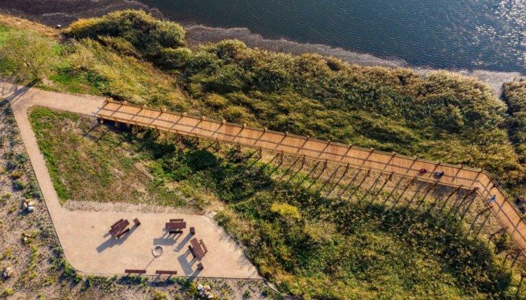 Foto: Liepājā kādreizējās izgāztuves vietā tapusi jauna dabas taka