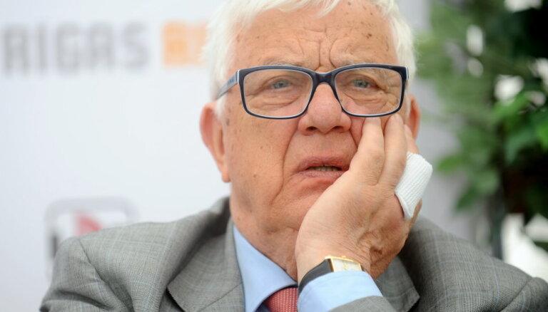 """Раймонд Паулс не приедет в Сочи на """"Новую волну"""""""