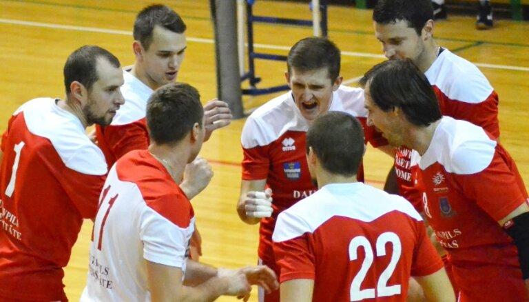 Latvijas kausā volejbolā nonāk pat līdz 'zelta setam'