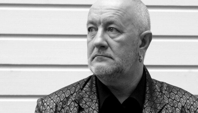 Miris leģendārais latviešu mūziķis Aivars Brīze