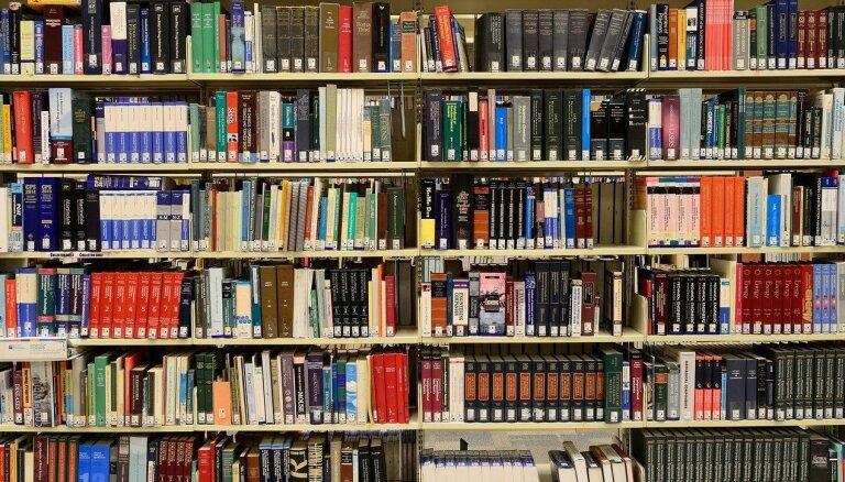 Latvijas grāmatu izdevēju nozare 'ielīgos' Puntuli, atgādinot par 5% PVN grāmatām