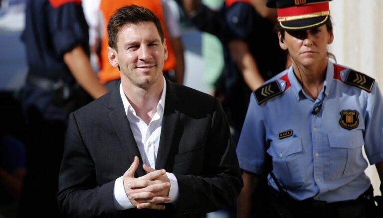 Lionelam Mesi Spānijā piespriež 21 mēnesi ilgu cietumsodu