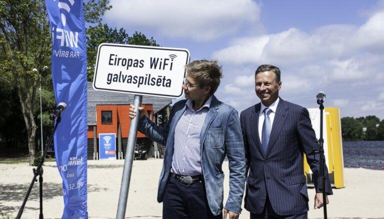 Bezmaksas bezvadu internetu plāno ieviest arī Rīgas sabiedriskā transporta pieturvietās