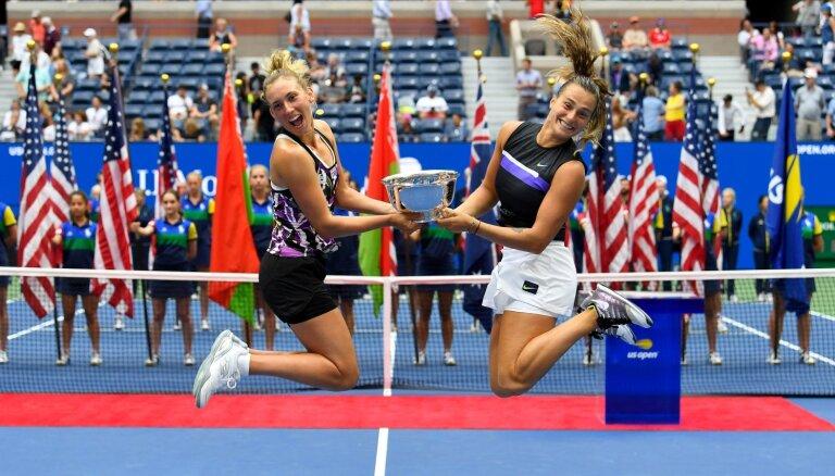 Mertensa un Sabaļenka triumfē 'US Open' dubultspēlēs