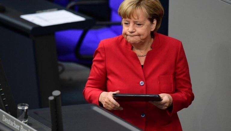 Aptauja: Sociāldemokrāti apsteidz Merkeles pārstāvētos kristīgos demokrātus