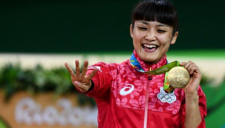 Japāniete Ičo kļūst par četrkārtējo olimpisko čempioni