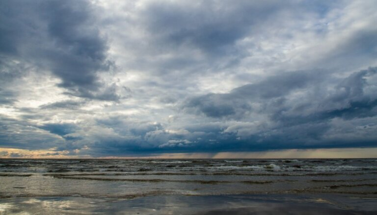 В четверг в Латвии местами возможны ливни и грозы