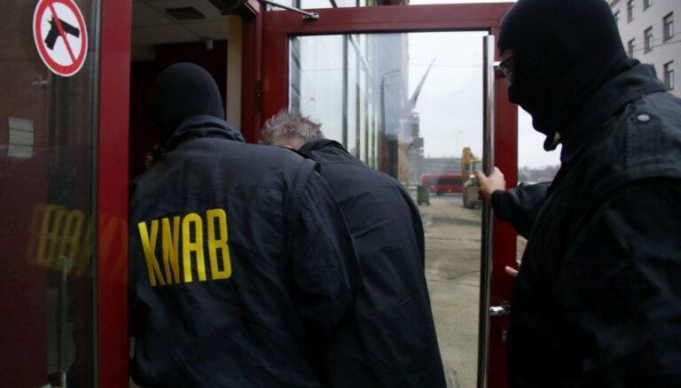 KNAB: Čehijas un Polijas uzņēmumu pārstāvji kukuļojuši Rīgas domes un 'Rīgas satiksmes' amatpersonas