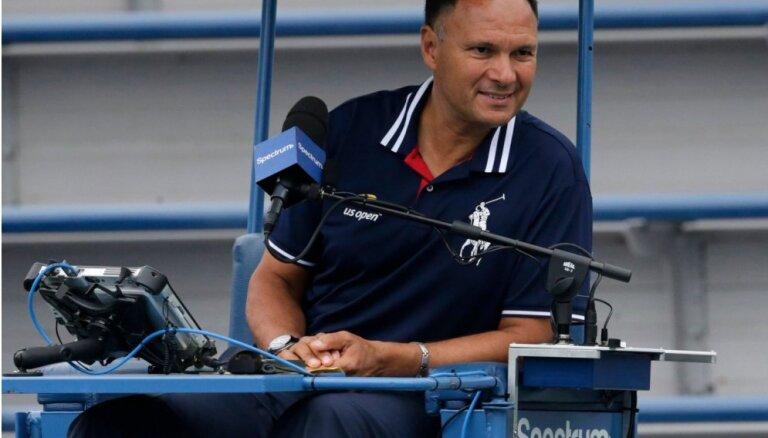 'US Open' tiesnesis diskvalificēts par atbalstu tenisistam spēles laikā