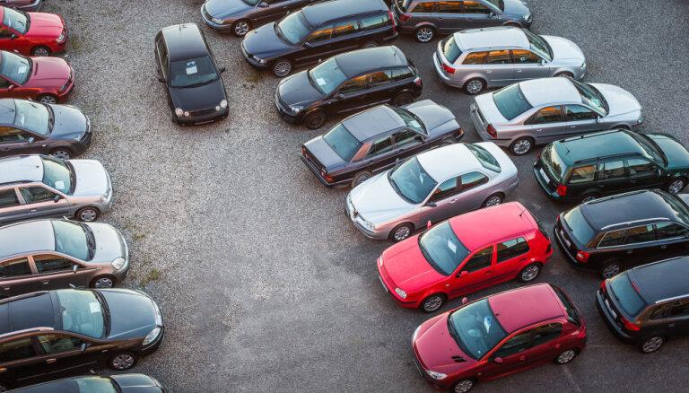LATTA: Jaunais transportlīdzekļu reģistrācijas nodoklis veicinās vēl vecāku auto iegādi