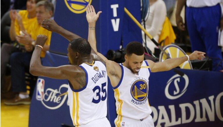 'Warriors' panāk izšķirošo spēli NBA Rietumu konferences finālsērijā