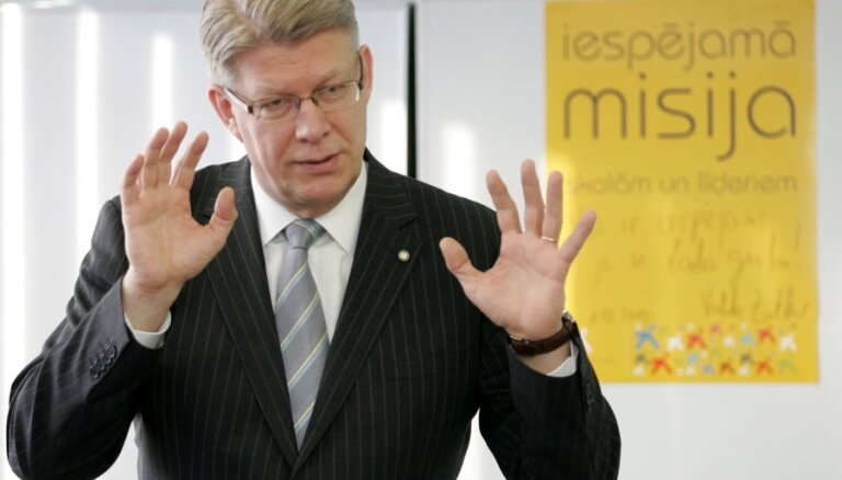 Nav pamata runāt par Reformu partijas likvidāciju, saka Zatlers