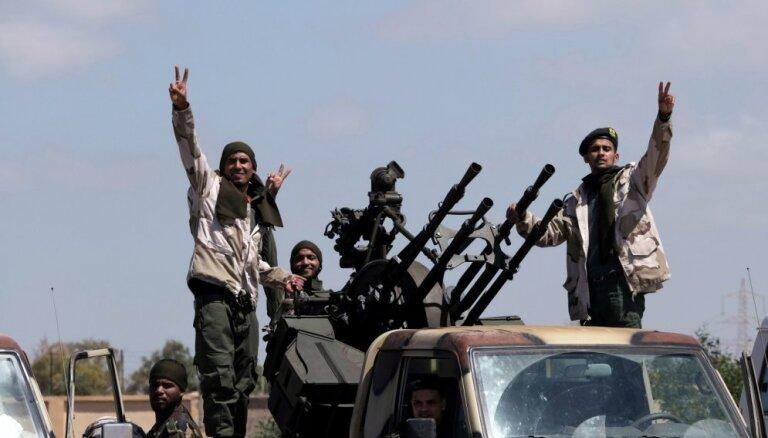 ASV pieprasa 'nekavējoties apturēt' uzbrukumu Tripolei