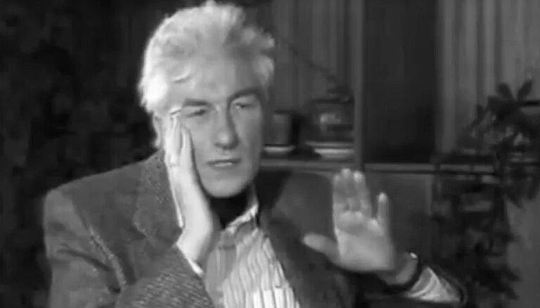 Video: Jau pirms 30 gadiem Imants Ziedonis aicināja latviešus 'labāk pasēdēt mājās un padomāt'