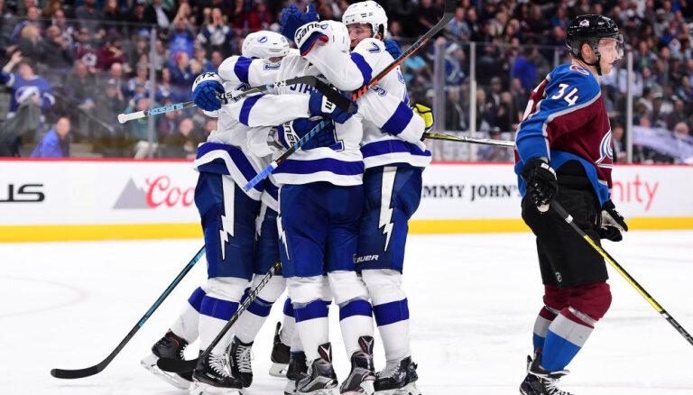 Кучеров забил 150-й гол в НХЛ, Василевский признан первой звездой дня