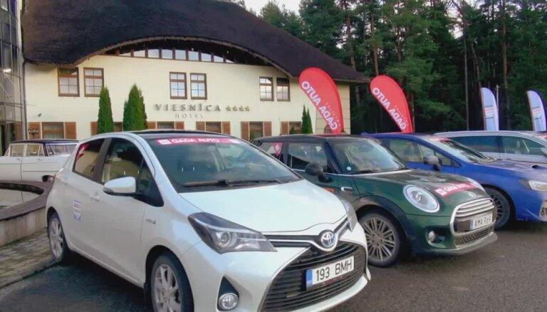 'Latvijas Gada auto 2015' lielais testa brauciens Ādažos