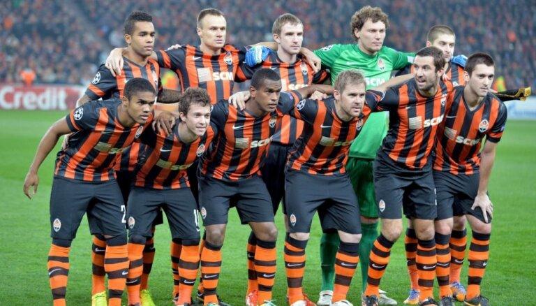 Ukrainas futbola čempioni 'Šahtar' cer atgriezties Doņeckā kā miera veicinātāji