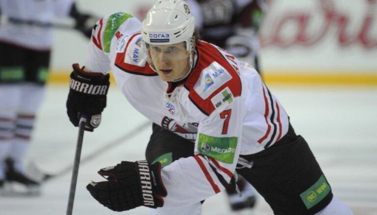 Oskars Bārtulis pasaules hokeja čempionātā nespēlēs