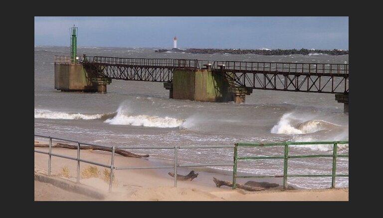 Штормовой ветер в пятницу может причинить разрушения на побережье