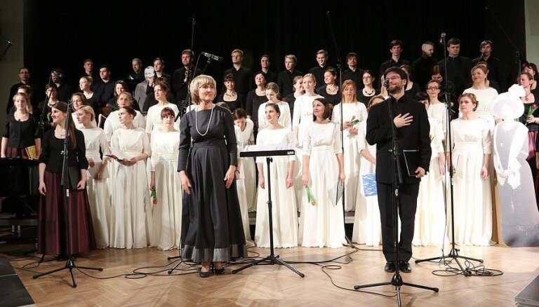 Liepājā un Rīgā izskanēs Ērika Ešenvalda mūzikas koncerts 'Zvaigznes'