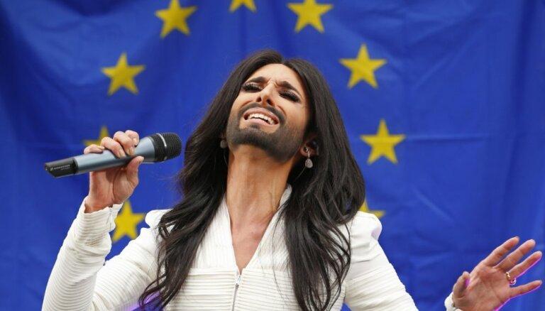 ФОТО, ВИДЕО: Кончита Вурст выступила перед Европарламентом