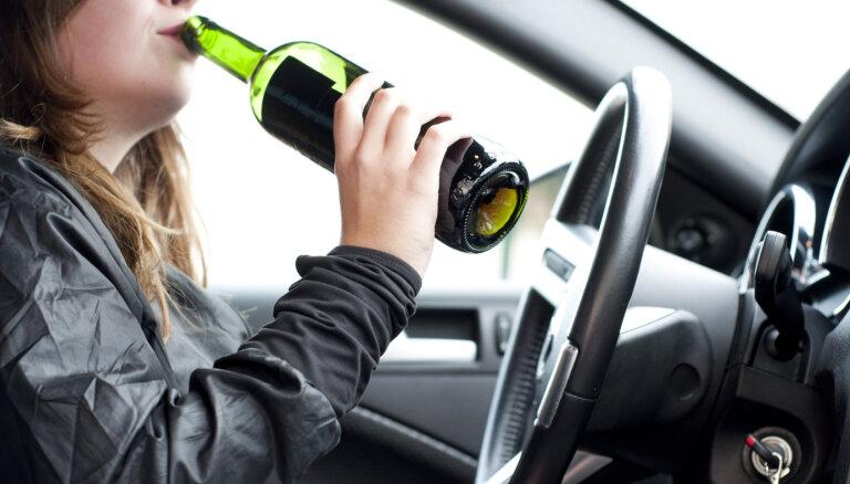 Допустимую концентрацию алкоголя понизят, а пьяных водителей будут отправлять на перевоспитание