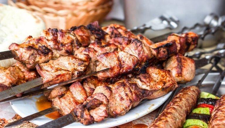 Ekspertes viedoklis: 3 iemesli, kāpēc nav ieteicams 'modes pēc' atteikties no gaļas