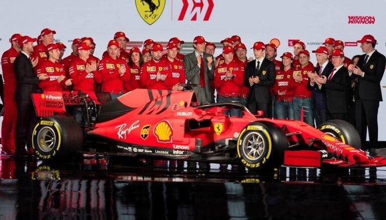 Prezentējot jauno modeli, 'Ferrari' cer beidzot pārtraukt 'Mercedes' dominanci