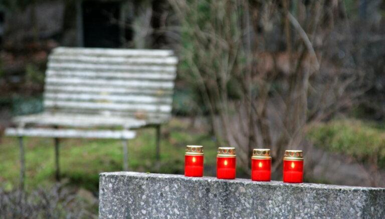 На Плявниекском кладбище орудует вор: у пенсионерки украли деньги