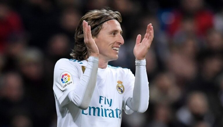 Modričs grasās palikt Madrides 'Real'