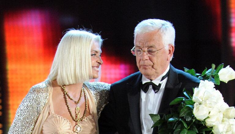 Раймонд Паулс поддержал Лайму Вайкуле в отказе ехать в Крым