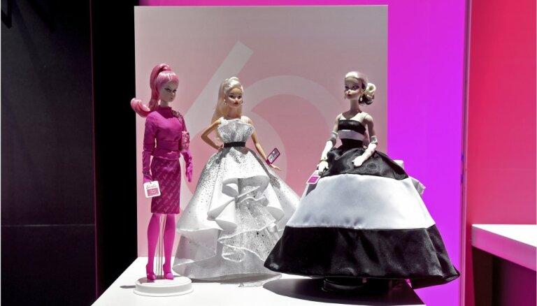 ФОТО: Вечно юная кукла Барби отмечает 60-летие