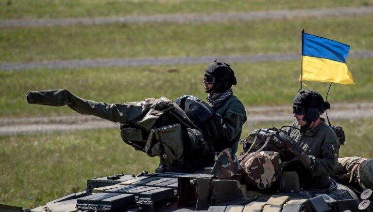 Krievija 'aizrīsies ar savām asinīm', ja uzbruks Ukrainai, komentē amatpersona