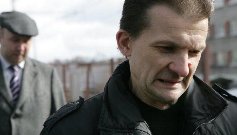Posttraumatiskā sindroma dēļ Vaškeviču nevar iesaistīt tiesas procesā, saka advokāte