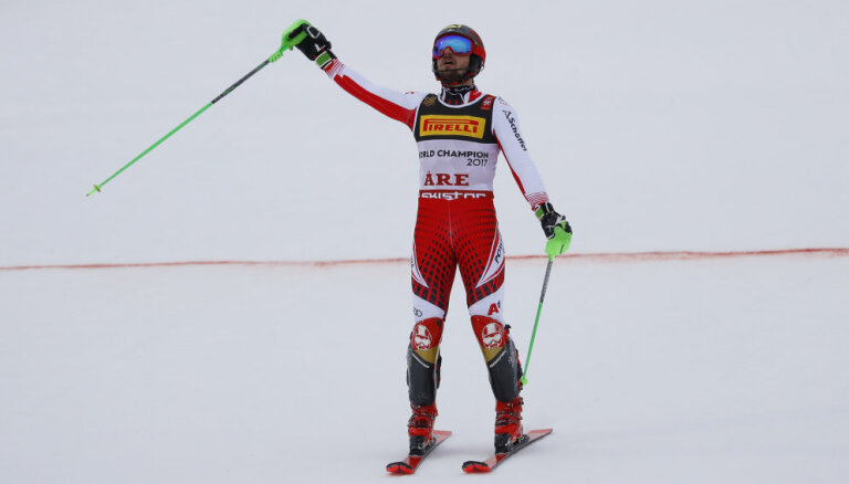 Titulētais Austrijas kalnu slēpotājs Hiršers paziņo par karjeras beigām