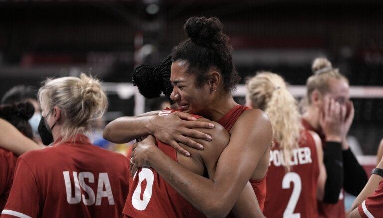 Tokijas vasaras olimpisko spēļu sieviešu volejbola turnīra rezultāti (08.08.2021)