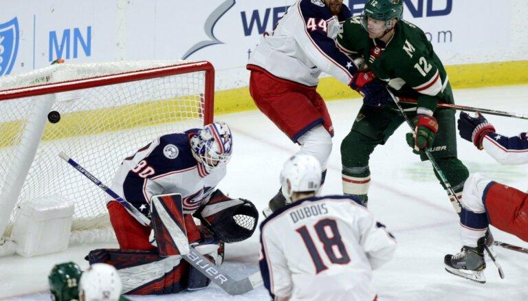 Kivlenieks atvaira 35 metienus savā piektajā spēlē NHL karjerā