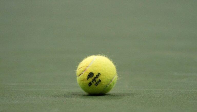 Latvijas jaunā tenisiste Bartone otrajā kārtā izstājas no 'US Open' junioru turnīra
