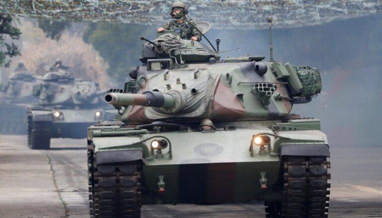 Taivāna veic militārās mācības un sola nepadoties Ķīnas spiedienam