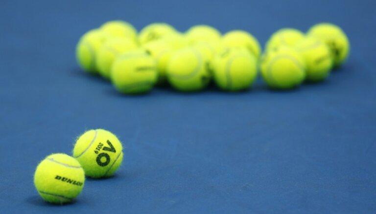 Latvijas tenisiste Bartone veiksmīgi startē Austrālijas atklātā junioru čempionāta pirmajā kārtā