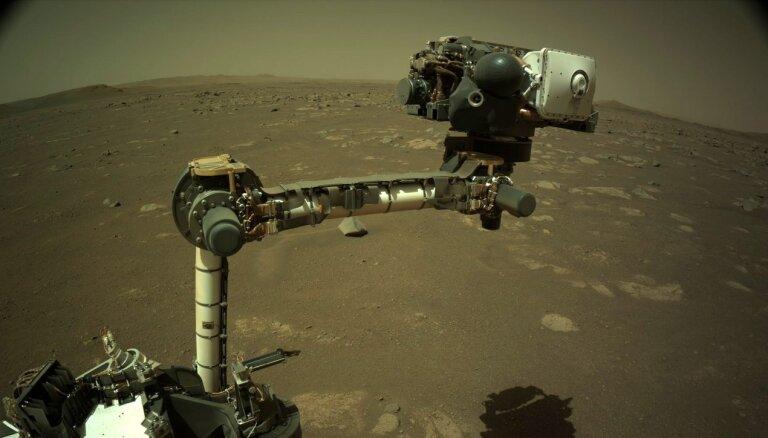 NASA mēģinās veikt pirmo helikoptera lidojumu uz Marsa