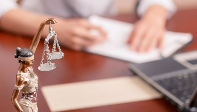 Maigie sodi nodokļu krāpniekiem: vai VID ģenerāldirektorei pamats gaidīt pagrieziena punktu?
