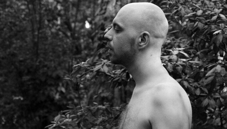 Noklausies! Grupa 'Zāle' publicē jaunu dziesmu un dramatiski psihedēlisku video