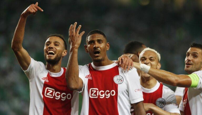 'Ajax' futbolists Alē izceļas ar 'pokeru' Čempionu līgas spēlē