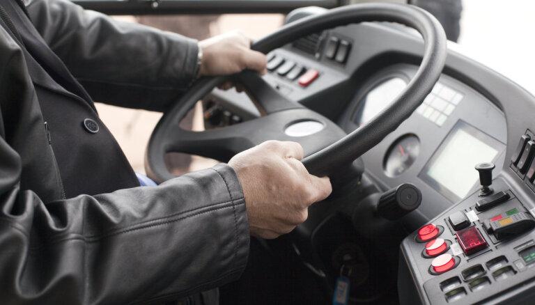 Ar Covid-19 sasirdzis pasažieris braucis ar autobusu no Dundagas uz Ventspili un Talsiem